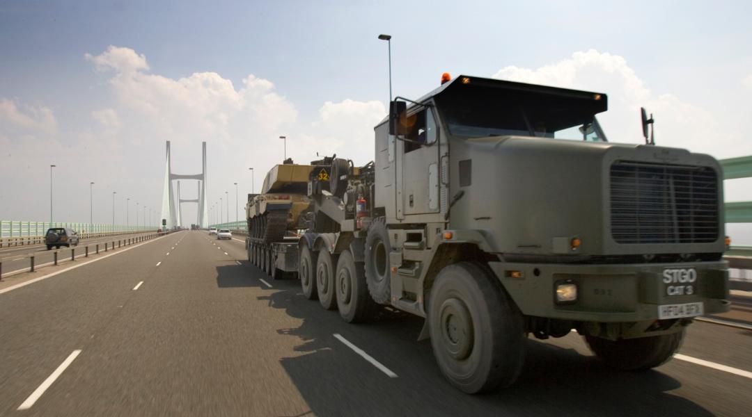 Heavy Equipment Transporter (HET) image2