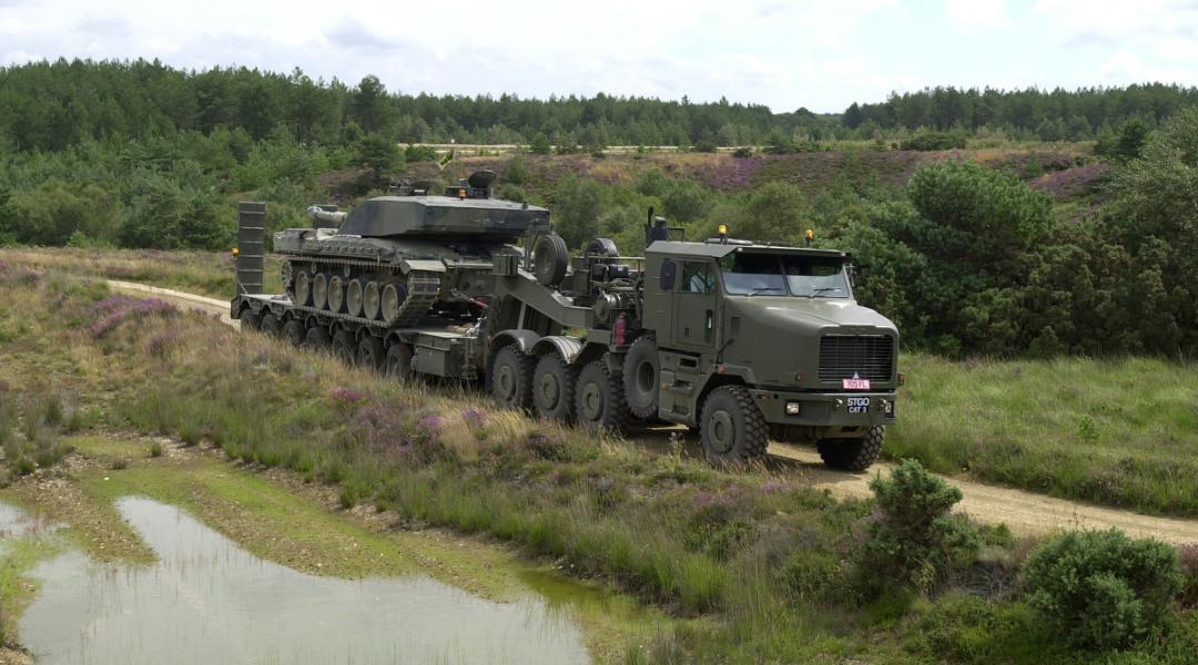 Heavy Equipment Transporter (HET) image3